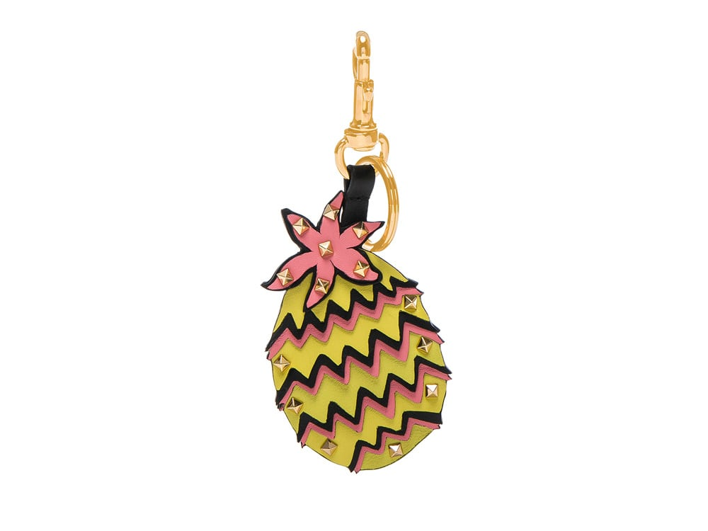 3-Valentino-Keychain-Pineapple-Fashion-Style-Spring-Accessories.jpg