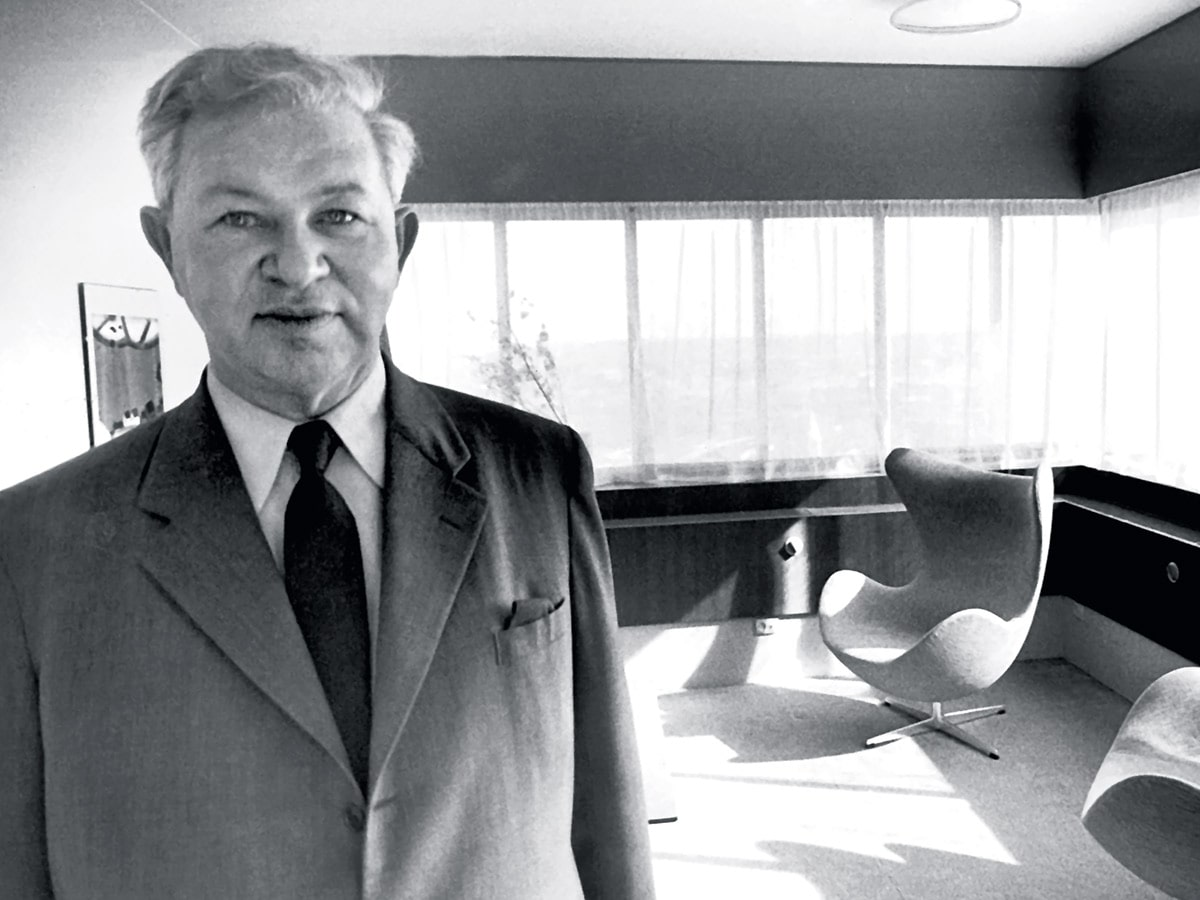 a look back at danish architect arne jacobsen 39 s iconic egg chair. Black Bedroom Furniture Sets. Home Design Ideas