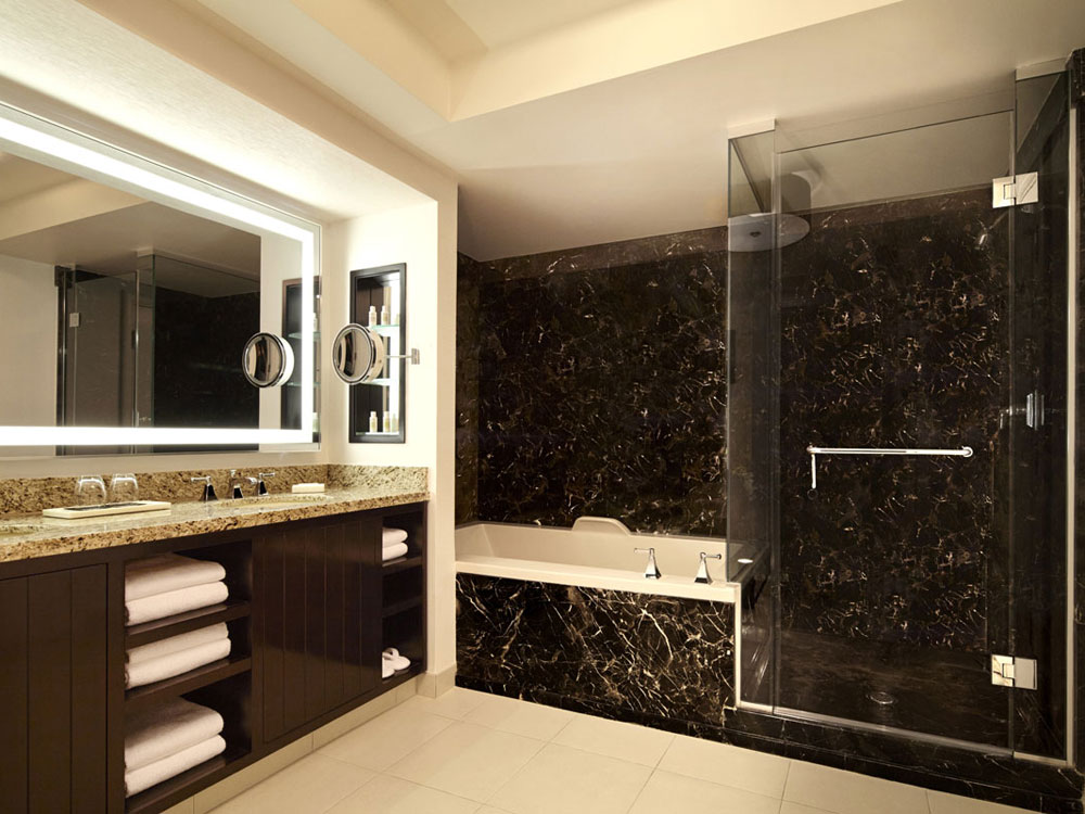 Luxury vegas hotel bathrooms to get ready for a night out for Nightclub bathroom design