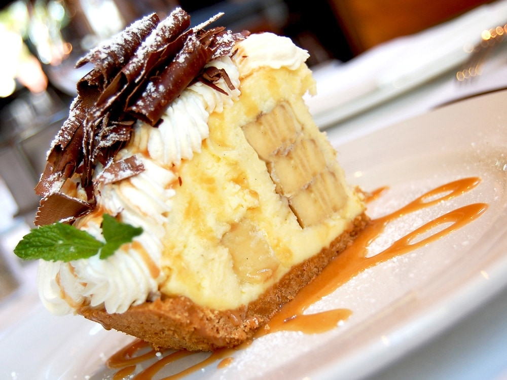 Emerils-Banana-Cream-Pie-Desserts-Vegas-Restaurants-Mothers-Day.jpg