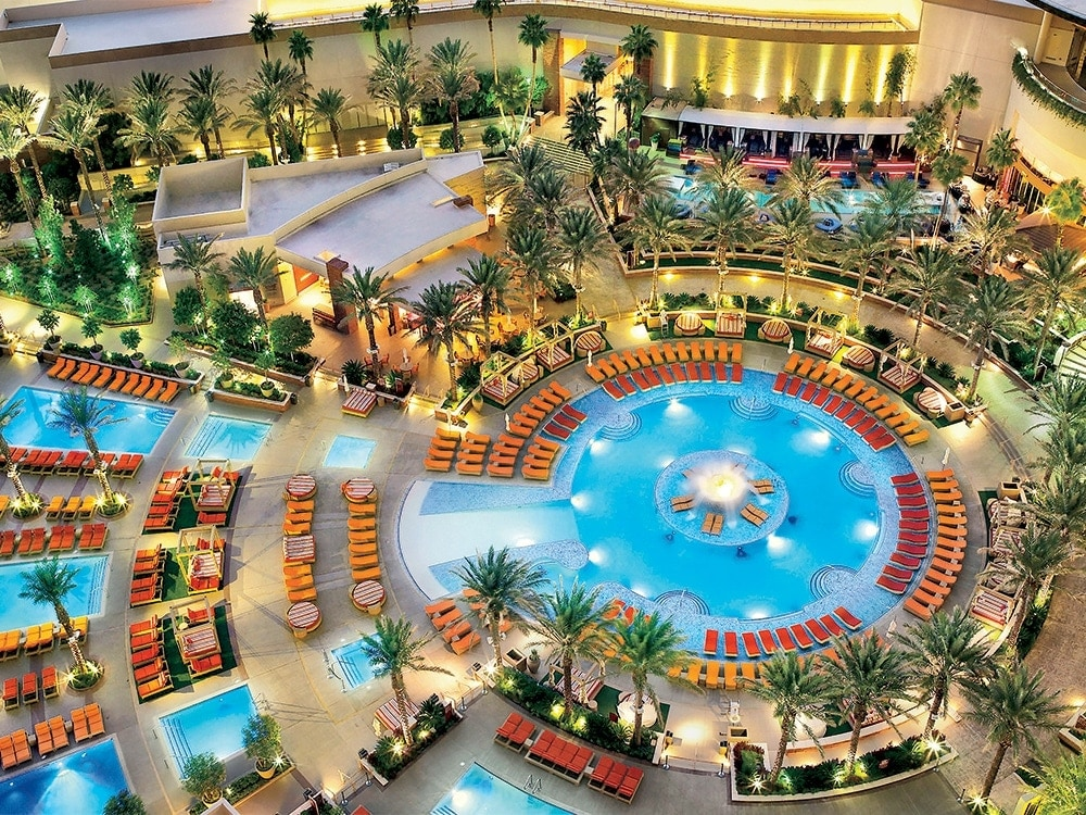 Vegas-pools-2.jpg