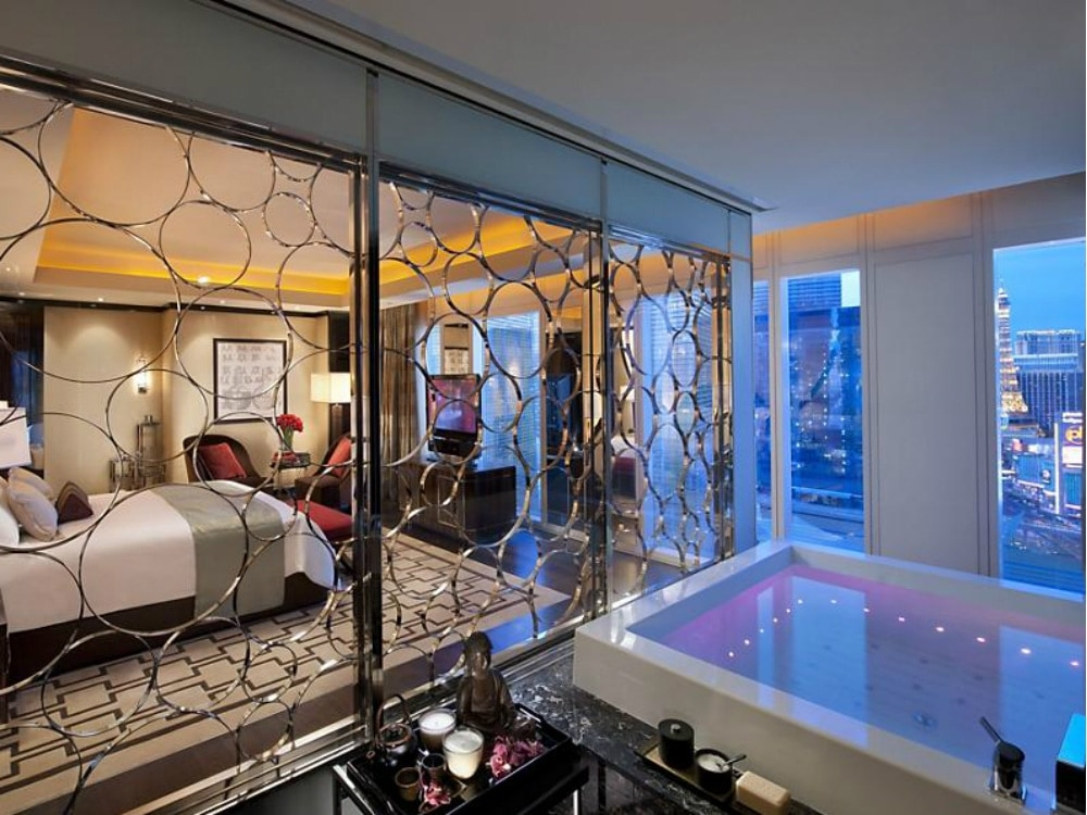 mandarin-oriental-suite-views.jpg