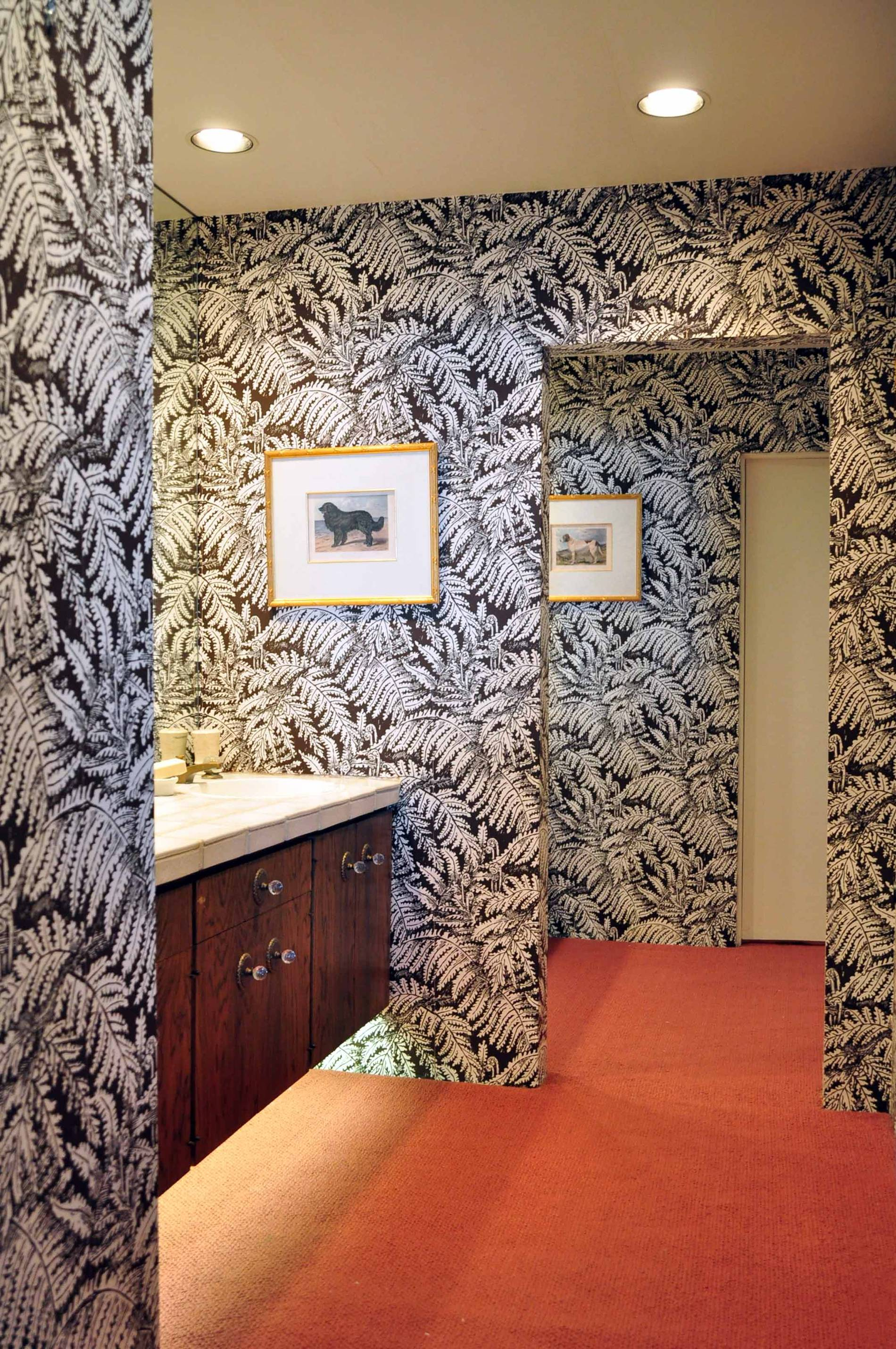 Frank Sinatra Palm Desert House, bathroom wallpaper