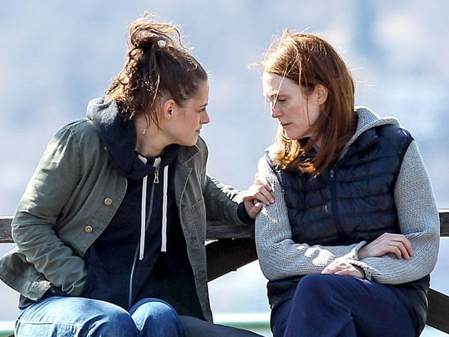 4 - What Kristen Stewart & Julianne Moore Lear…
