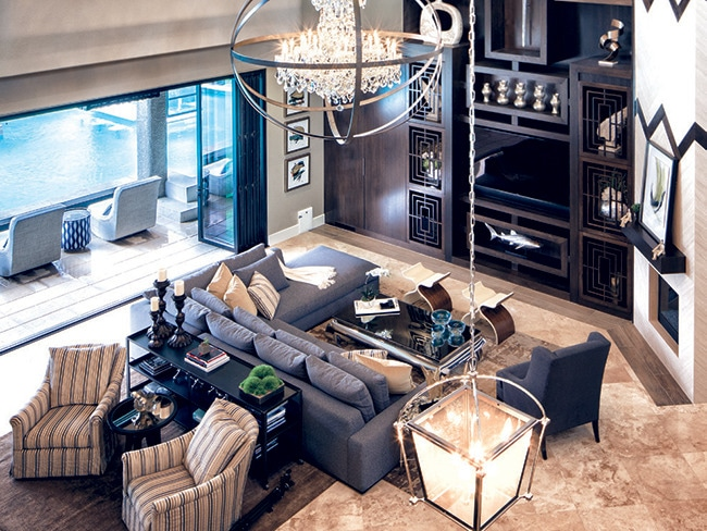 a look inside the property brothers 39 las vegas home. Black Bedroom Furniture Sets. Home Design Ideas