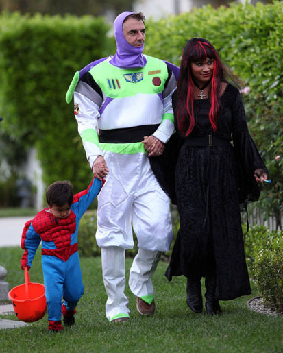 2 - 10 Most Outrageous Celebrity Halloween Cos…