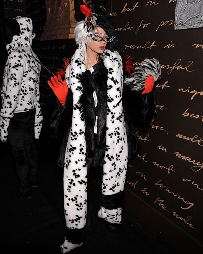 10 - 10 Most Outrageous Celebrity Halloween Cos…