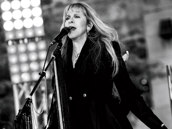 4 - Fleetwood Mac's One-Night Concert & More M…