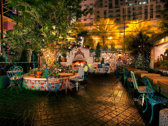 4 - 9 Vegas Restaurants With Prime Outdoor Spaces