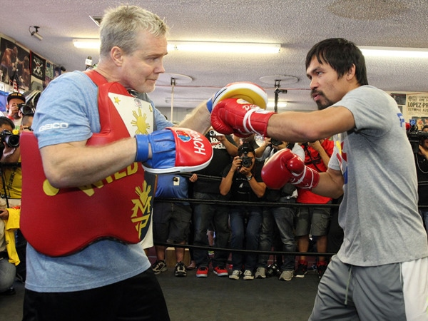 2 - Freddie Roach Talks Training Pacquiao for…