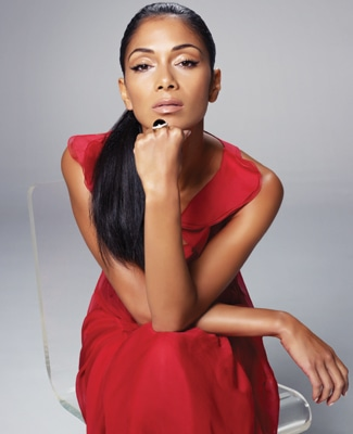 1 - Nicole Scherzinger Climbs to the Top