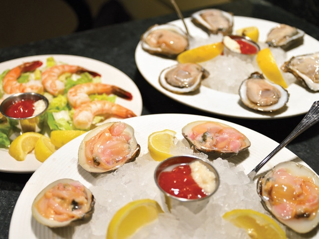 4 - Crackin' Oysters with Rob Weakley and Davi…